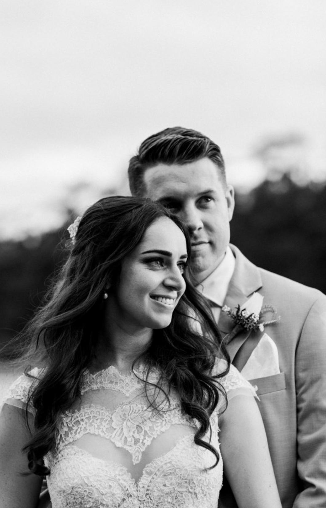 Stonebarn Wedding: Chris & Kristie